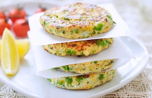 Pea and ricotta fritters